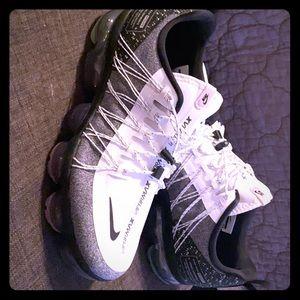 Women's Nike VaporMax sz9.5 NWOB